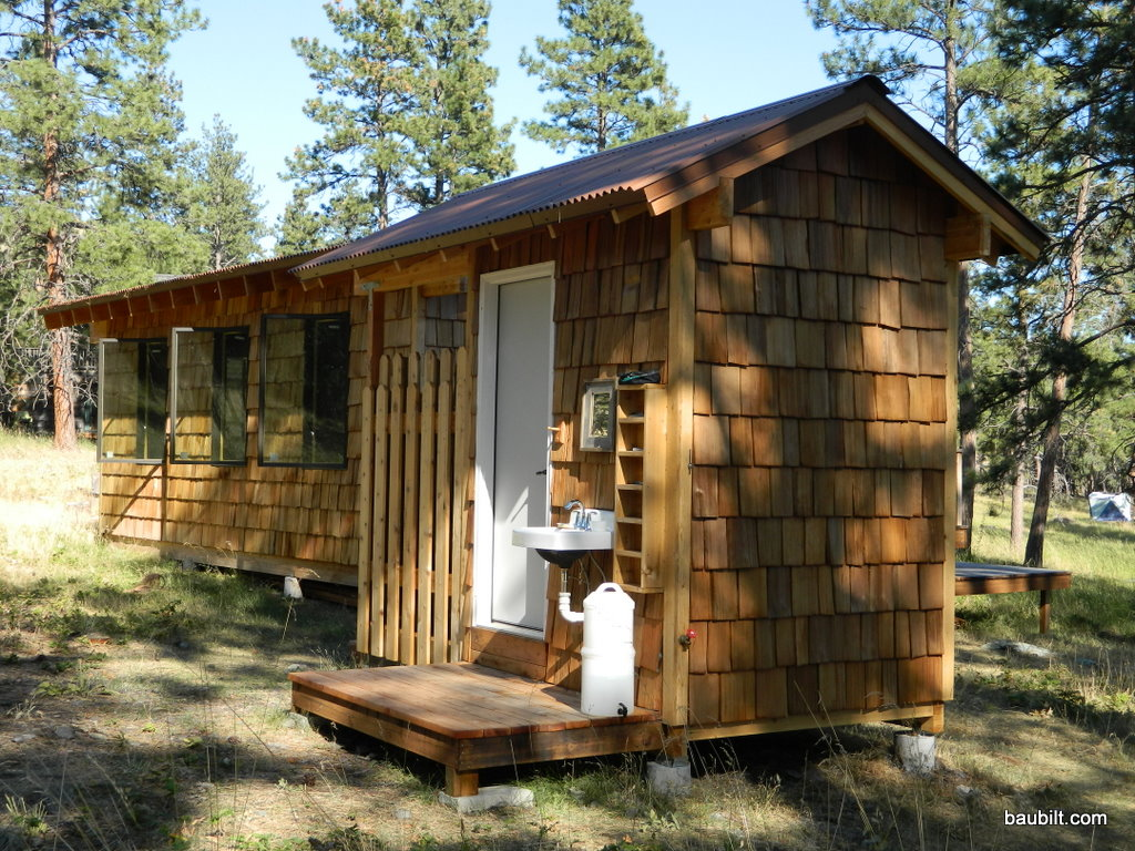 Wondrous 17 Best Images About Outhouses On Pinterest Toilets Rustic Largest Home Design Picture Inspirations Pitcheantrous